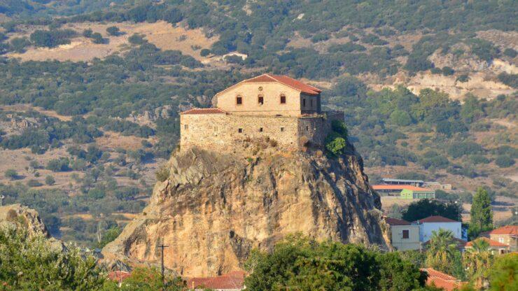 Lesbos Petra kerk